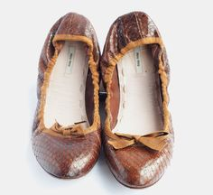 Miu Miu Brown Leather Ballet Flat//