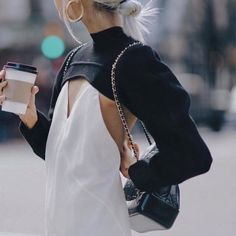Fantastic womens fashion are offered on our internet site. Have a look and you wont be sorry you did. Fashion Details, Look Fashion, Autumn Fashion, Fashion Outfits, Womens Fashion, Fashion Design, Fashion Trends, Street Chic, Minimal Chic