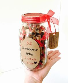 This gift in a jar is a very unique way to express yourself in many different ways to a special person :).It holds 52 scrolls for every week in a years time. The receiver would pick 1 personal scrolled message out of his or her jar a week to read :)! Christmas Mason Jars, Christmas Gifts For Mom, Thoughtful Christmas Gifts, Customized Gifts, Personalized Gifts, 52 Reasons Why I Love You, Birthday Wishes For Boyfriend, Friend Birthday, Jar Gifts