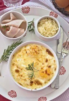 Receta 459. Huevos en cazuelitas con jamón, crema y queso rallado » 1080 Fotos de cocina