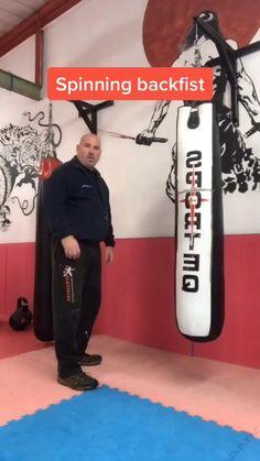Martial Arts Moves, Self Defense Martial Arts, Martial Arts Styles, Martial Arts Workout, Martial Arts Training, Mixed Martial Arts, Boxing Training Workout, Mma Workout, Kickboxing Workout