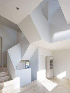 Interior architecture filled with angles, and yet still light and fun. House In Aoto // High Land Design // Architecture Design, Amazing Architecture, Cubist Architecture, Minimal Architecture, Architecture Interiors, Escalier Design, Interior And Exterior, Interior Design, Arch Interior