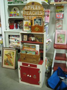Craft Fair Booth Display Ideas | ... Kitsch 'n Stuff: Antique Mall Booth Display Ideas: Stacking Works Well
