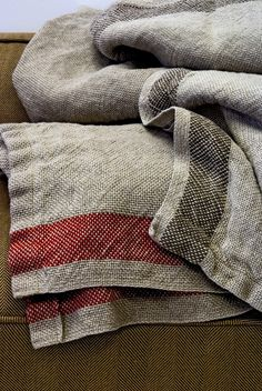 Linen Blankets & Throws