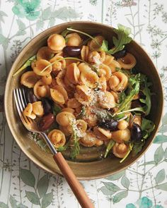 Eat Like an Italian: 10 Amazing Orecchiette Recipes - Martha Stewart Food Healthy Pasta Recipes, Healthy Pastas, Pasta Salad Recipes, Cooking Recipes, Zoodle Recipes, Olive Recipes, Italian Recipes, Vegetarian Dinners, Vegetarian Recipes