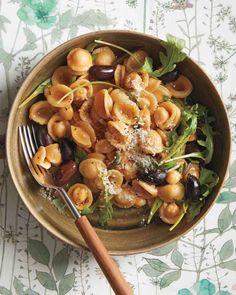 Eat Like an Italian: 10 Amazing Orecchiette Recipes - Martha Stewart Food Healthy Pasta Recipes, Healthy Pastas, Pasta Salad Recipes, Cooking Recipes, Zoodle Recipes, Quick Vegetarian Dinner, Vegetarian Dinners, Vegetarian Recipes, Food Dinners