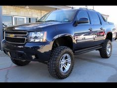 2011 Chevy Avalanche LS 4WD Rough Country Lifted Truck