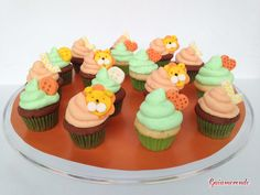 mini cupcakes for christening of Leone, a Baby boy