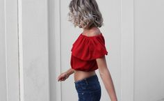 Making an off the shoulder top is super easy, follow this tutorial to sew yours in less than an hour!