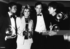 Michael Jackson, singers Kim Wilde, Pete Townshend and Paul McCartney at the British Record Industry Awards (BRIT awards) at the Grosvenor House Hotel, London,  February 08 1983.    Curiosities and Facts about Michael Jackson ღ by ⊰@carlamartinsmj⊱
