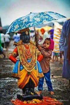 "Umbrella for Lord Shri Krishna (Vithala version) who lifted Govardhana giri as an umbrella. He is god in Hindu culture who plaid roll of Protagonist in great epic ""Mahabharta"". Krishna Art, Hare Krishna, Krishna Flute, Krishna Painting, Krishna Images, We Are The World, People Of The World, Namaste, Amazing India"