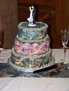 """Pink+Camo+Wedding+Cakes 