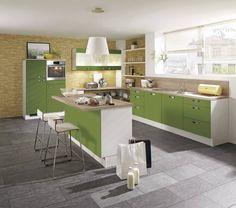 Spritzschutz beim Herd: Ideen für die Gestaltung der Küchenrückwand