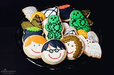 Harry Potter Cookies  I doubt I have the skill/patience for these, but we'll see