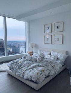 62 ideas for bedroom goals dream rooms layout Dream Rooms, Dream Bedroom, Home Bedroom, Bedroom Inspo, Bedroom Ideas, Bedroom Furniture, City Bedroom, Master Bedroom, Bedroom Interiors