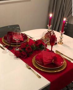 Romantic Room Surprise, Romantic Date Night Ideas, Romantic Dates, Romantic Room Decoration, Romantic Bedroom Decor, Decoration Table, Creative Valentines Day Ideas, Valentines Day Decorations, Christmas Decorations