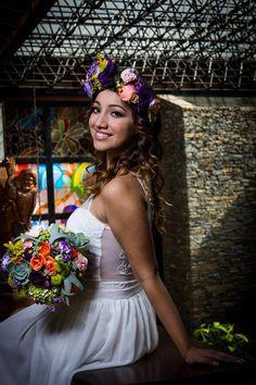Nuestra espectacular novia Vivianna Carreño con un hermoso bouquet multifloral vintange.