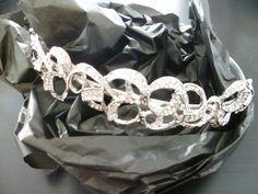 Tiara de #novia #Innovias en plata http://www.innovias.es/complemento-19-b8ee8381a9c5a458.php
