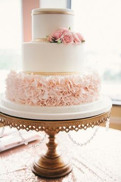 Pink wedding cake idea - We're swooning left and right over the romantic rose gold and pink details in this chic Florida wedding. See the photos by Photography. Wedding Cake Stands, Cool Wedding Cakes, Elegant Wedding Cakes, Beautiful Wedding Cakes, Wedding Cake Designs, Beautiful Cakes, Amazing Cakes, Rosegold Wedding Cake, Elegant Cakes