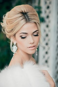 Gorgeous Old Hollywood Glamour short with our PH-820 earrings! More