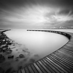 27 Breathtaking Examples Of Black And White Seascape Photographs by Alper Çukur — Photography Office Black And White Landscape, Black N White Images, White Art, Exposure Photography, Art Photography, Stunning Photography, Photography Tutorials, Digital Photography, Landscape Photos