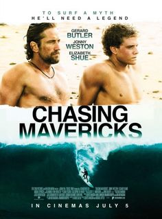 This film is directed by Curtis Hanson. Gerard Butler plays Frosty Hesson, Moriarty's mentor, who taught him the skill to overcome the huge waves in Northern California. Persiguiendo Mavericks, Chasing Mavericks, See Movie, Movie Tv, Movies Showing, Movies And Tv Shows, Gerard Butler Movies, Movies Worth Watching, Chick Flicks
