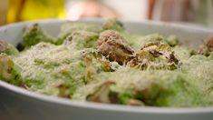 Wil je zelf gehaktballetjes maken? Bekijk dan zeker dit recept. Sandra maakt een heerlijke ovenschotel van gehaktballetjes met broccoli. Healthy Cooking, Healthy Life, Healthy Recipes, Healthy Food, I Want Food, College Meals, Oven Dishes, Go For It, Happy Foods
