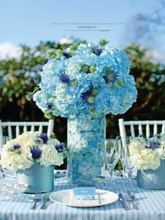 blue hydrangea centerpieces with white Hortensia Hydrangea, Blue Hydrangea, Blue Flowers, Hydrangeas, Wedding Centerpieces, Wedding Table, Wedding Decorations, Tall Centerpiece, Blue Centerpieces