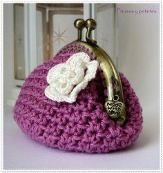 "Pitusas & Petetes: ""Dark pink crochet coin purse"" (Monedero de crochet rosa)"