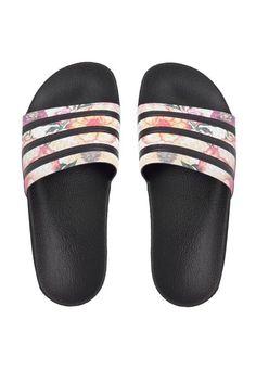 3b8ca9d87aa413 Chinelo adidas Originals Adilette W Preto. Adidas SandalsAdidas ...