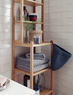Shelving unit with bathroom accessories
