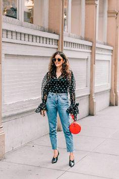 Street Style. Camiseta fluida com a estamparia ao look com jeans