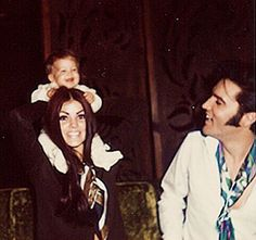 Young family 1969- Elvis Presley Lisa Marie Presley and Priscilla
