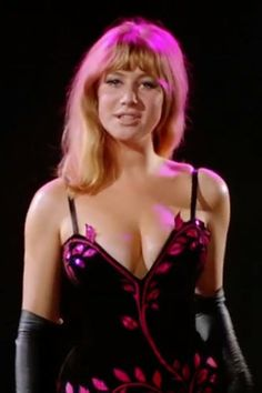 """""""Herostratus"""" is a British film in which Helen Mirren plays in her first movie in a seductive scene where she is basically talking to the viewers with her enticing words. Helen Mirren, Patrick Stewart With Hair, British Actresses, Actors & Actresses, British Actors, Blond, Dame Helen, Best Actress Award, Thing 1"""
