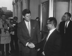 President John F. Kennedy, General Chung Hee Park, and Others Date(s) of Materials: 14 November 1961 박정희 장군