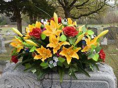 Pin Headstone Saddle Flower Arrangement