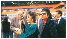 <3 Michael Jackson <3 & Elizabeth Taylor - not sure where they were