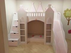 Cama Infantil Chalé Castelo das Princesas com Cama Adicional Escorregador e Gavetas