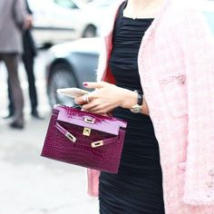 Get Your Styles with Hermes Handbags, ultimate guide to the hottest fashion handbags style inspiration from around the world. Hermes Kelly Bag, Hermes Bags, Hermes Handbags, Fashion Handbags, Purses And Handbags, Fashion Bags, Hermes Birkin, Milan Fashion, Backpack Handbags