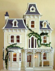Una casa victoriana... de muñecas.                                                                                                                                                     Más