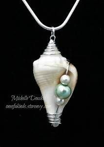 Wire wrapped shell · One of a Kinds · Online Store Powered … - DIY Schmuck Ideen Wire Wrapped Jewelry, Wire Jewelry, Jewelry Crafts, Jewelry Art, Beaded Jewelry, Jewelery, Fashion Jewelry, Jewelry Design, Gold Jewelry