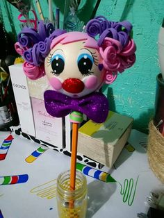 Clown Party, Ideas Para Fiestas, Biscuits, Barbie, Dolls, Paper, Handmade, Pens And Pencils, Recycled Crafts