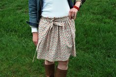 Just Another Day in Paradise: Flower Garden Gathered Skirt Tutorial