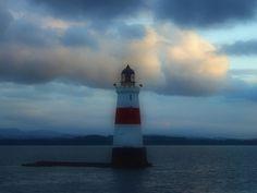 Oxcars Lighthouse, Firth of Forth, Edinburgh  --  photo by davydubbit, via Flickr