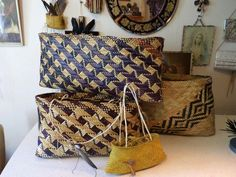 Kite (maori basket) Designer - Te Whare Po Ra O Hineteiwaiwa Flax Weaving, Weaving Art, Loom Weaving, Basket Weaving, Polynesian Designs, Maori Designs, Traditional Baskets, New Zealand Art, Maori Art