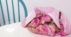 Estamos seguros de que vas a querer elaborar estos bolsos de tela. Son sencillos, prácticos e ideales para regalar. ¡Qué más podemos pedir!