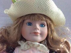 1980s NIB 16 in Victoria Ashlea Originals  Doll   blonde blue eyes Sweety