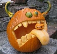 Chic Scary Pumpkin Carving Ideas For Halloween In This Year 34 Awesome Pumpkin Carvings, Scary Pumpkin Carving, Pumpkin Carving Templates, Spooky Pumpkin, Pumpkin Ideas, Diy Pumpkin, Fröhliches Halloween, Outdoor Halloween, Halloween Pumpkins