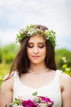 Makijaż ślubny w stylu boho. Boho bride and her wedding makeup.