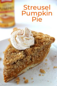 Streusel Pumpkin Pie Recipes You are going to want to make this Streusel Pumpkin Pie for Thanksgiving dessert this year. It's super easy to make and so much better than a traditional pumpkin pie. Pumpkin Pie Recipes, Fall Recipes, Holiday Recipes, Pumpkin Pies, Vegan Pumpkin, Pumkin Pie Easy, Easy Pumpkin Desserts, Pumpkin Deserts, Pumpkin Pie Cupcakes
